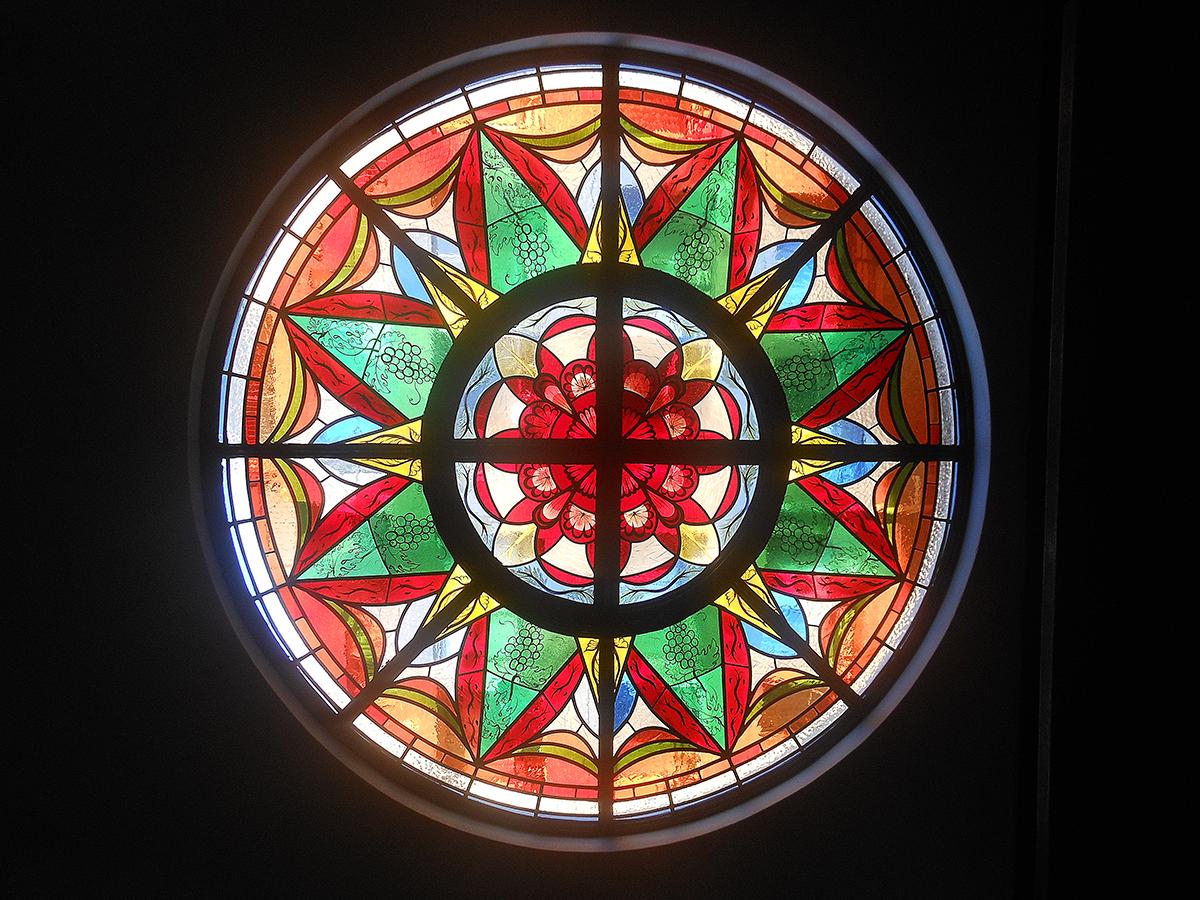 会堂のバラ窓